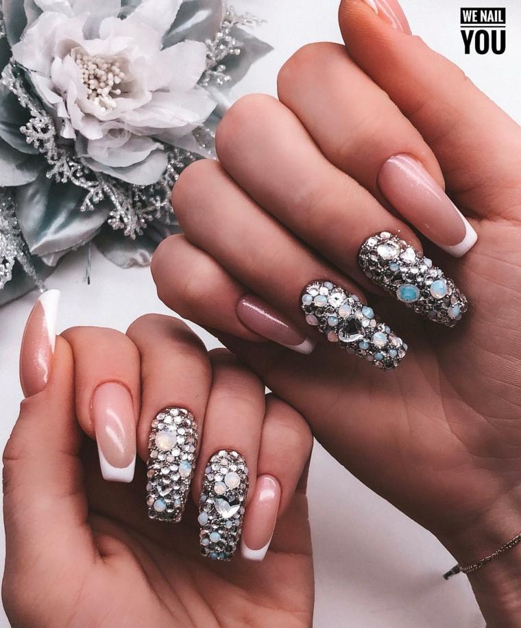 decorazione unghie ballerina con brillantini french manicure rosa e bianco