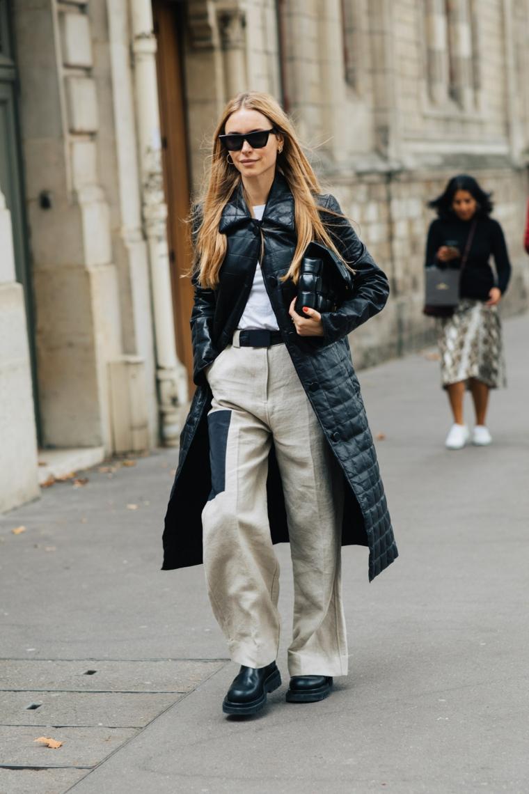 donna con puffer lungo nero outfit tumblr inverno pantalone largo con patch