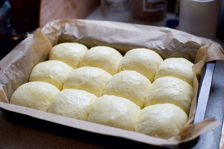 impasto vegan per pan bioche ricette vegane veloci teglia con palline