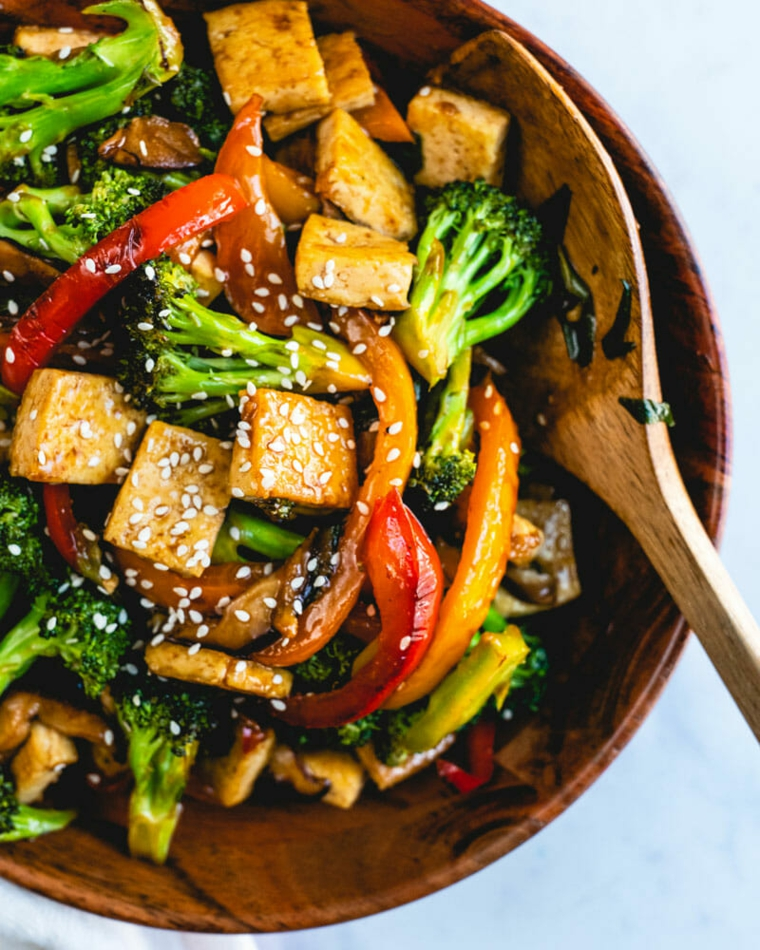 ricette vegane veloci per cena tofu saltato in padella con verdure