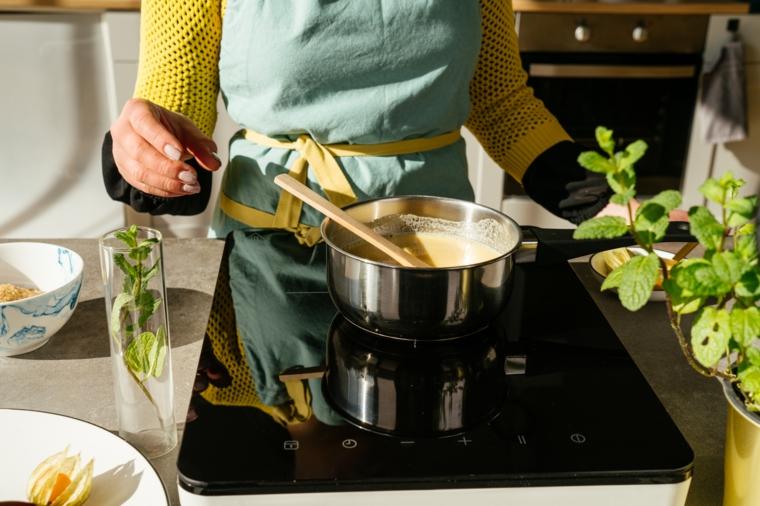 ricette vegane velocissime pentolino con ingredienti per fare creme caramel