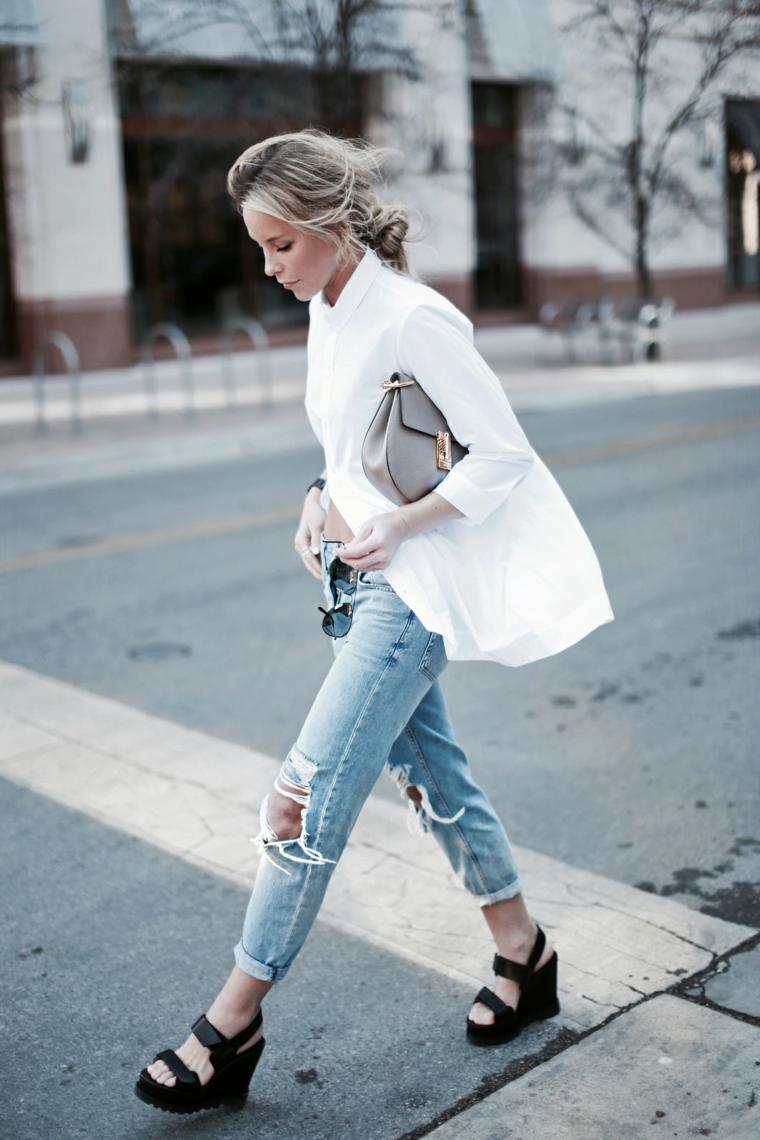 street style donna tumblr abbigliamento con jeans e camicia bianca larga