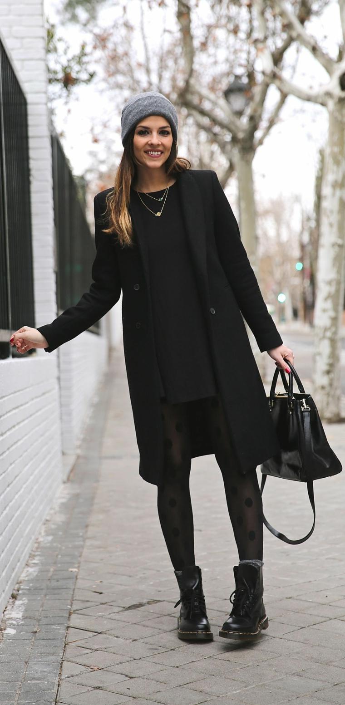 total look di nero abbigliamento donna tumblr con cappotto