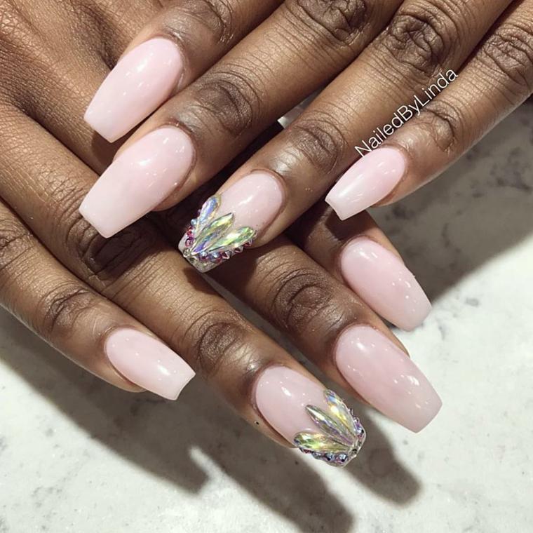 unghie 2021 semipermanente smalto di colore rosa lucido accent nail con brillantini