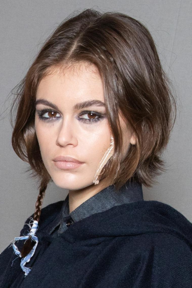 acconciatura con treccina come essere femminile con i capelli corti