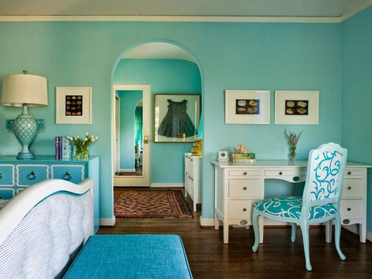 arredamento soggiorno classico parete verde tiffany scrivania in legno bianco con poltrona