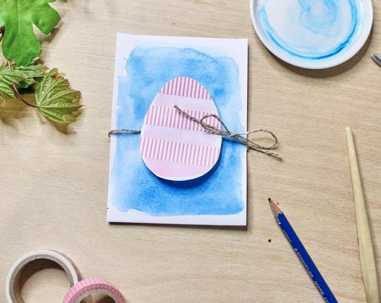 biglietti di pasqua facili foglio dipinto di blu con uovo di carta tridimensionale