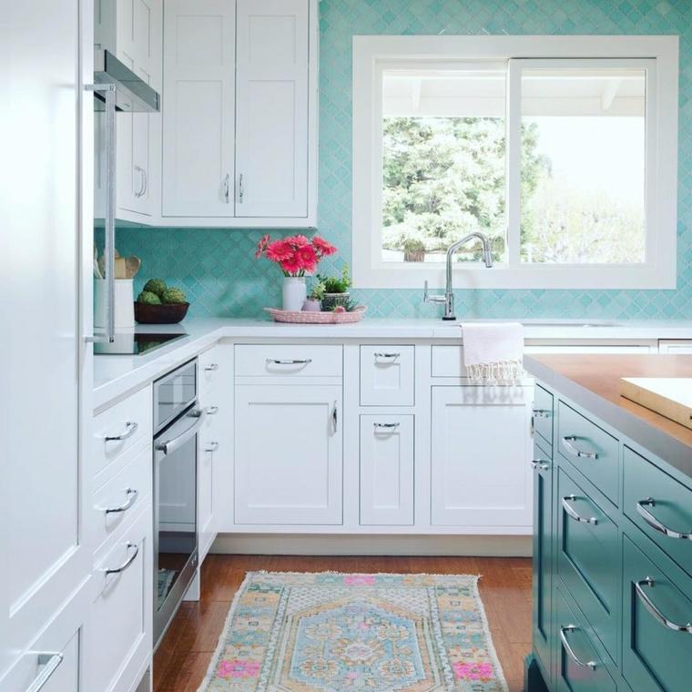 cucina con pareti di colore verde tiffany cucina con isola centrale