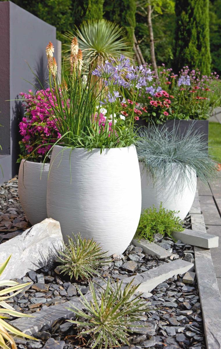 ghiaia da giardino decorazione giardino con vaso di piante
