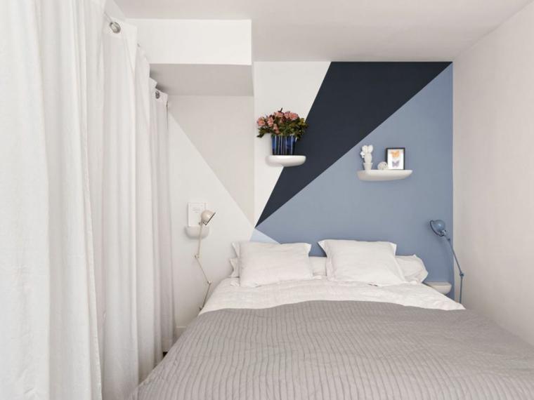 parete dietro il letto dipinta tonalità colori caldi per muri decorazione con mensole