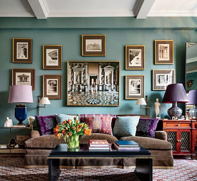 parete soggiorno decorata con fotografie verde tiffany origine