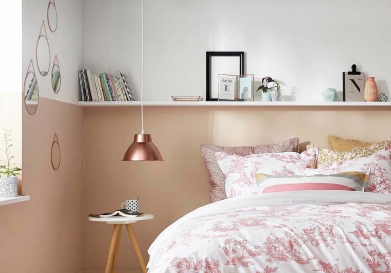 pareti colore camera da letto bianco e beige decorazione con mensola e lampada pendente