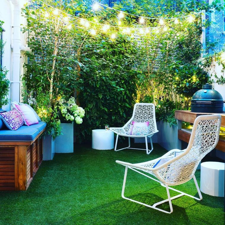 piccoli giardini da coppiare arredo con mobili in metallo panchina in legno