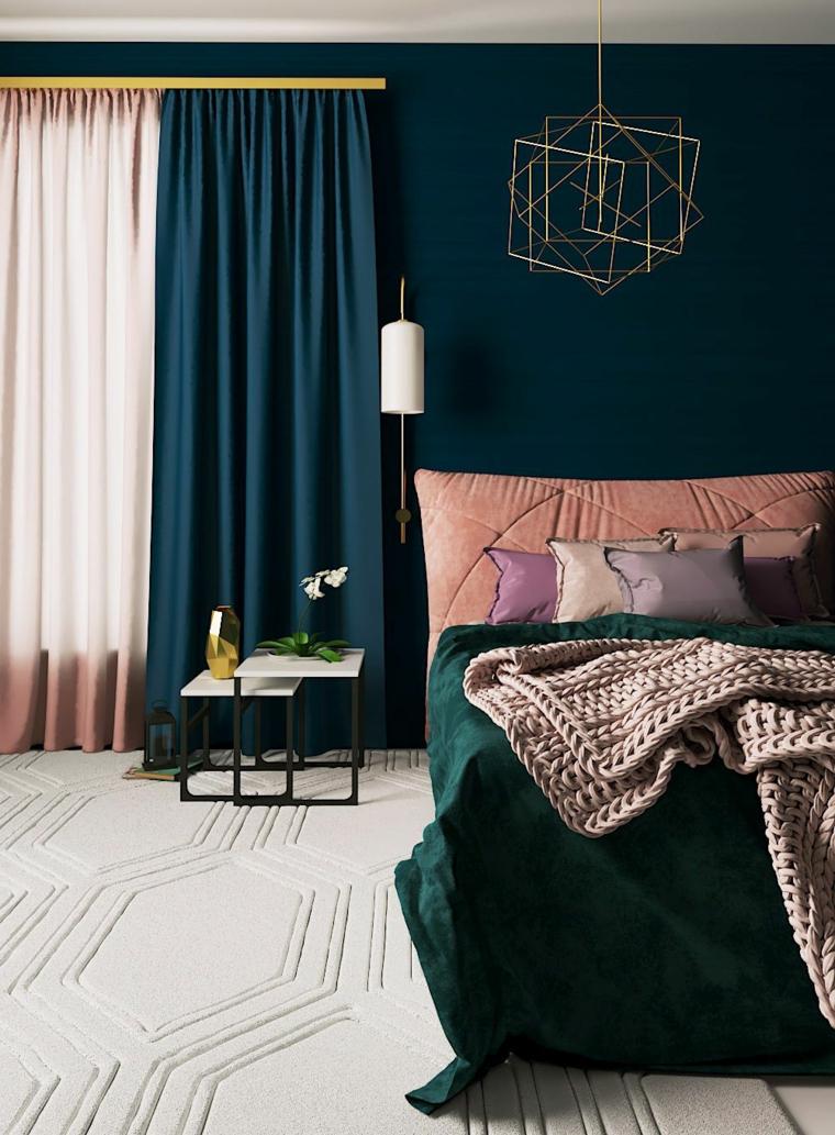 pittura camera da letto classica parete blu scuro e bianco tende bicolore in rosa