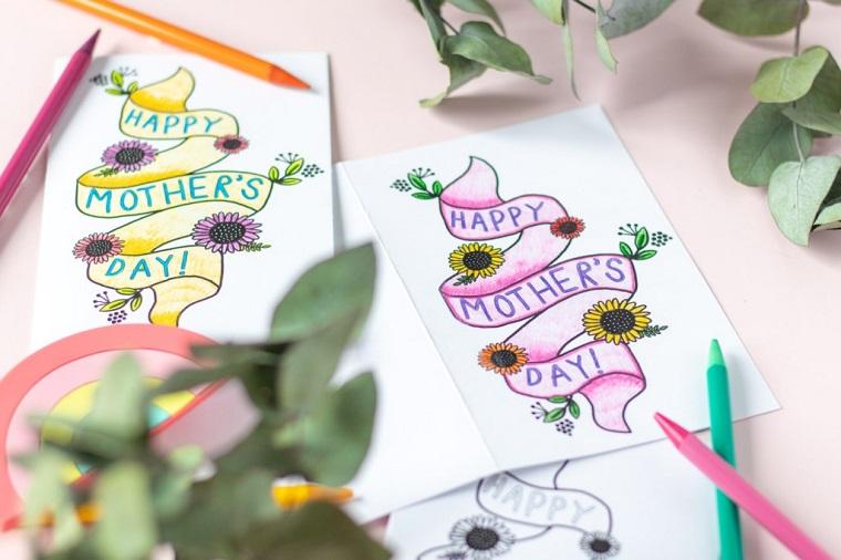 regalo festa della mamma fai da te cartolina da stampare con scritta e ornamenti floreali