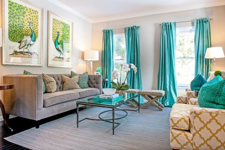 soggiorno con tende colore verde tiffany tavolino da caffè in vetro