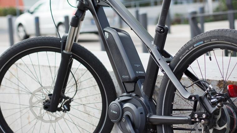 biciclette elettriche con motore anteriore e bike per città