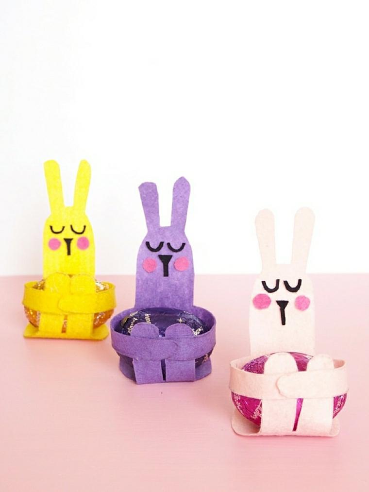 cestini per uova pasquali coniglio con rotolo di carta igienica