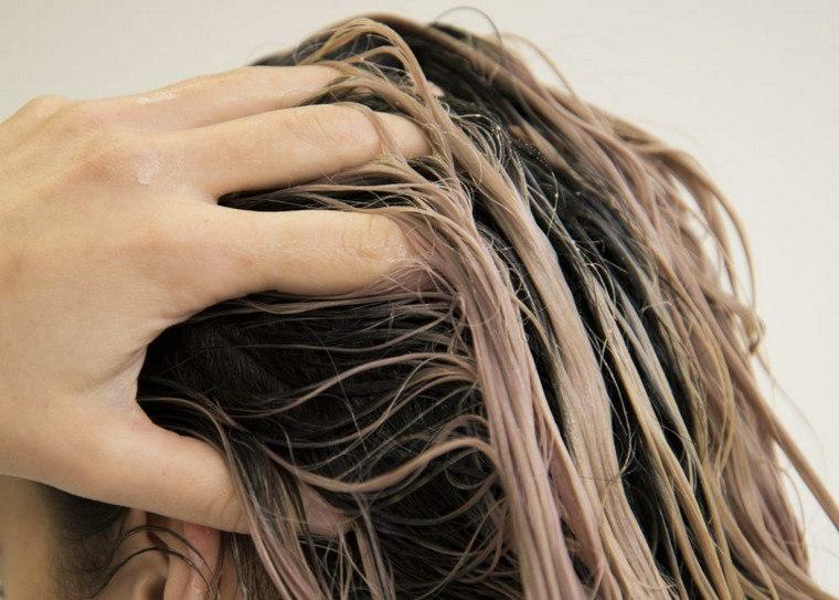 come nutrire i capelli danneggiati trattamento con maschere idratanti