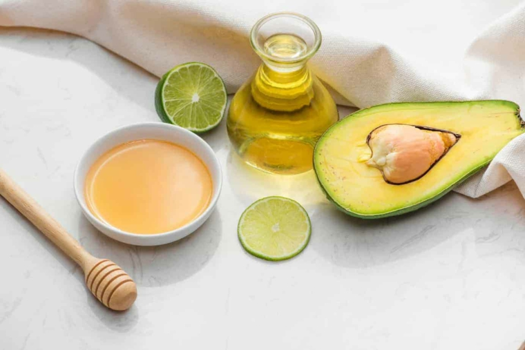 maschera rinforzante capelli fai da te trattamento con olio e avocado
