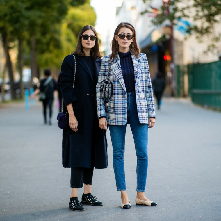 abbigliamento autunnale donna cappotto nero lungo jeans regular vita alta