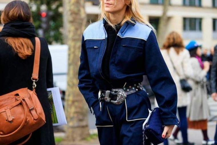 abbigliamento in jeans patch colori autunno inverno 2021 abbinamento cintura in vita