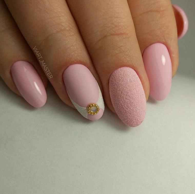 accent nail rosa effetto sugar unghie a mandorla smalto lucido
