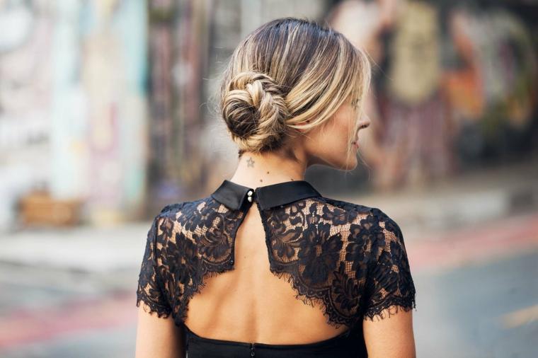 acconciature capelli lunghi facili e veloci donna con chignon mosso