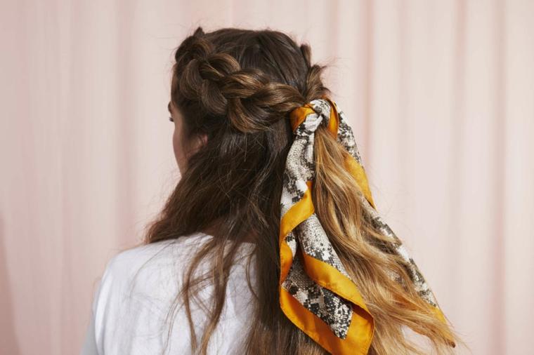 acconciature da sera per capelli lunghi semiraccolto con due trecce laterali