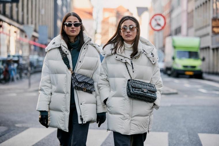 cappotto imbottito colore grigio tendenze colori autunno inverno 2021 2022