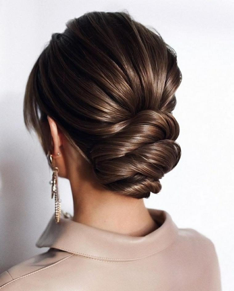 donna con capelli castani acconciature matrimonio capelli lunghi raccolti
