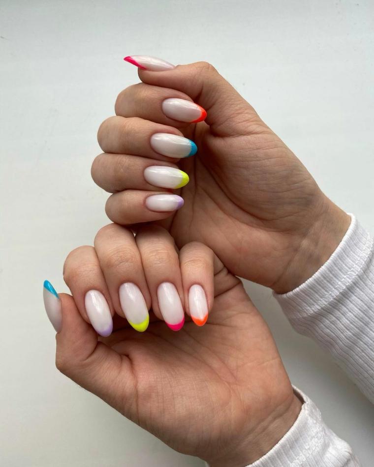 french manicure arcobaleno unghie gel primavera 2021 smalti colore pastello
