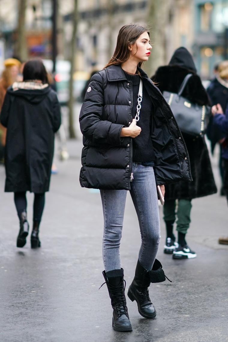 moda scarpe inverno 2021 stivaletti anfibi di pelle nera piumino lungo imbottito