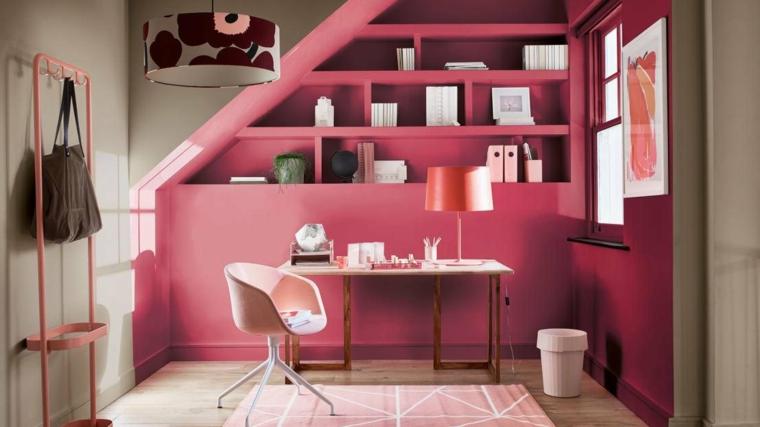 mura cameretta tinteggiate di colore rosa e grigio decorazione con mensole a vista