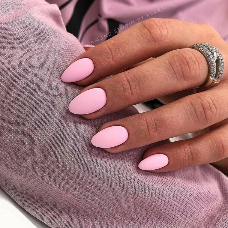 stiletto rosa pallido effetto mat unghie toni smalti pastello
