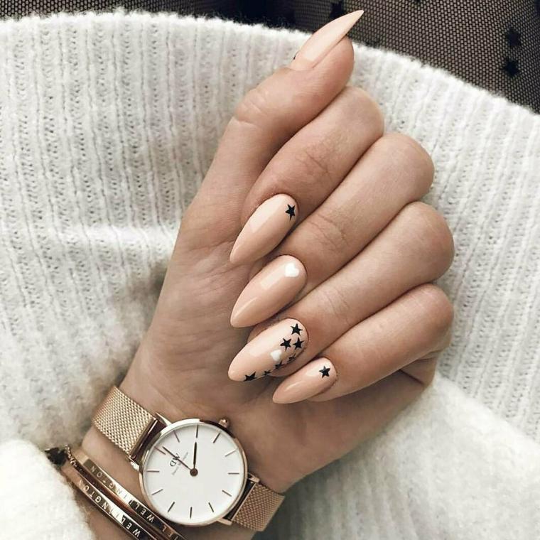 stiletto smalto tortora decorazione unghie con disegni di stelle