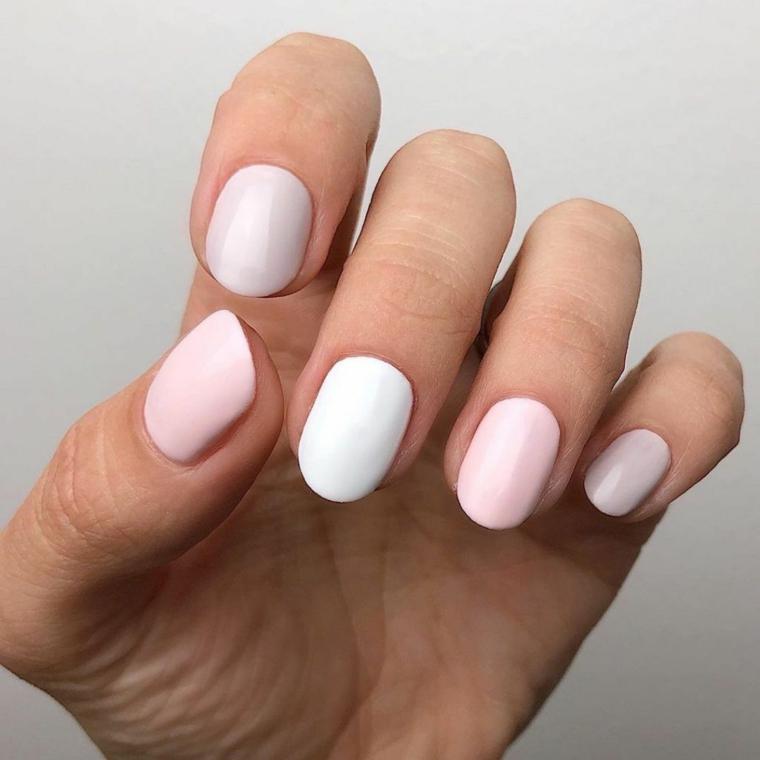 unghie color pastello manicure forma ovale di colore rosa pallido