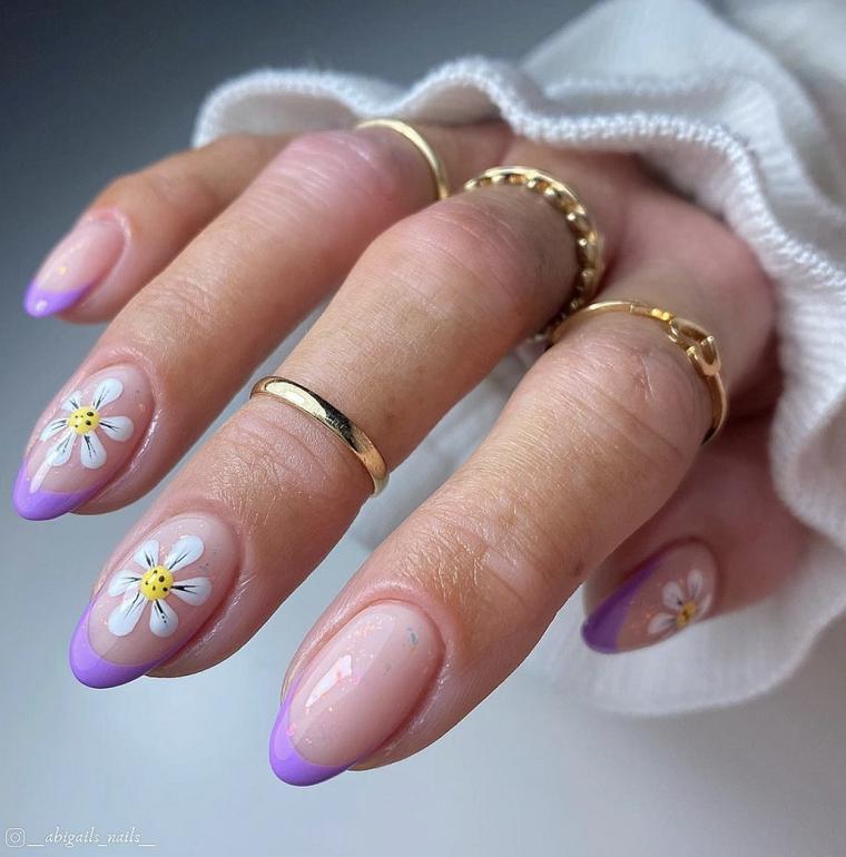 unghie gel 2021 chiare manicure forma ballerina con disegno fiore