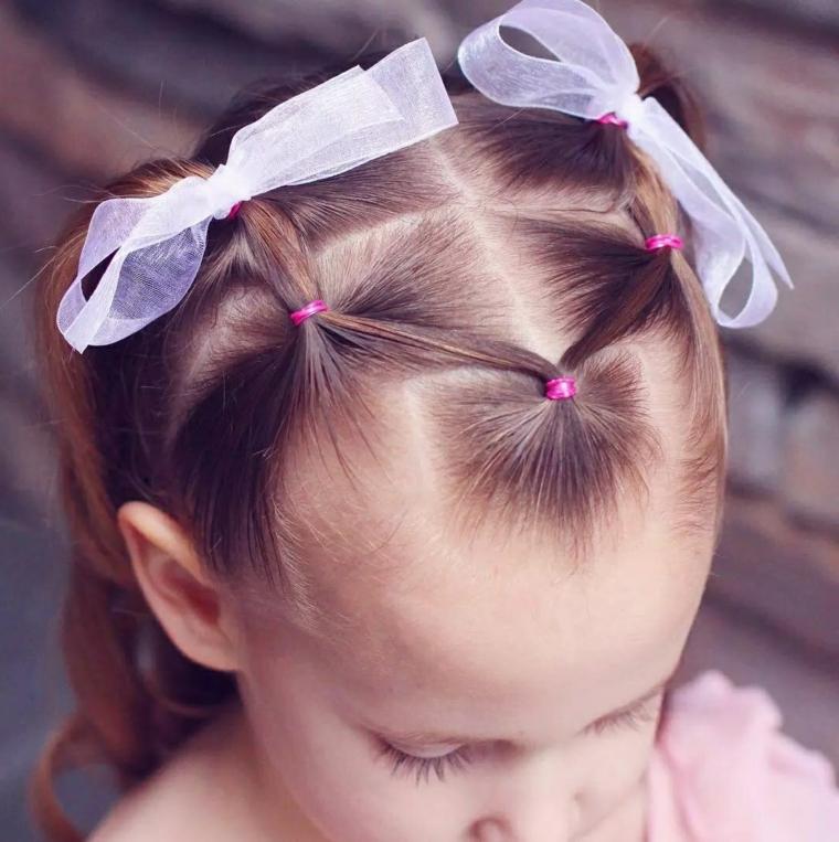 acconciature bambina con elastici pettinatura capelli biondi con fiocchi