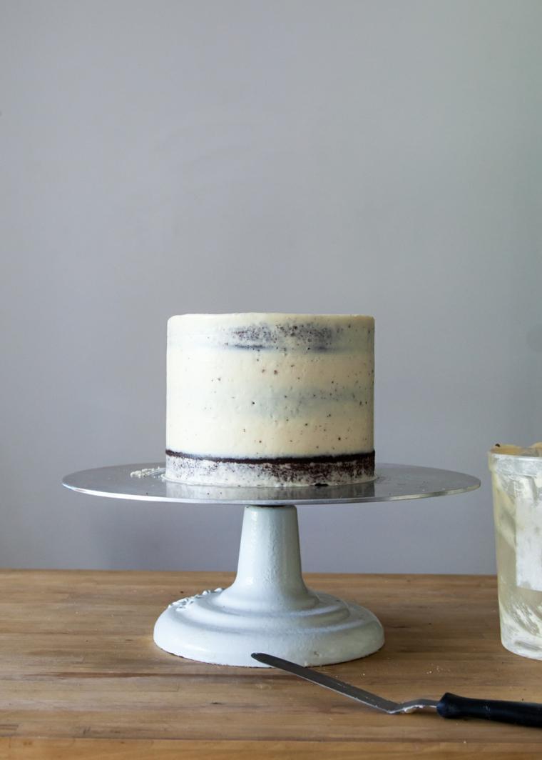 torte di compleanno decorate con panna montata torta alta con pan di spagna