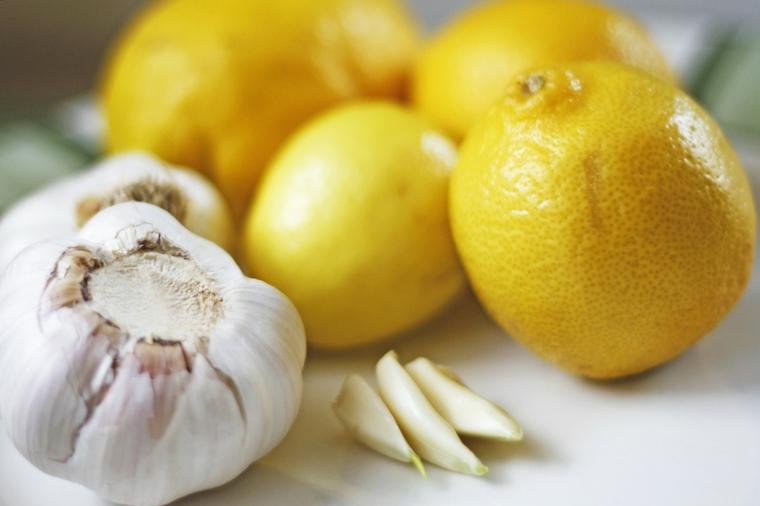 aglio e limoni come trovare nido formiche in casa rimedi casalinghi