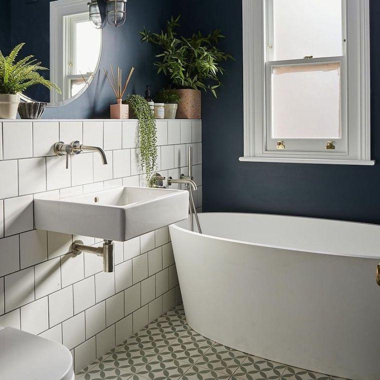 bagni piccoli bellissimi rivestimento con piastrelle vasca freestanding
