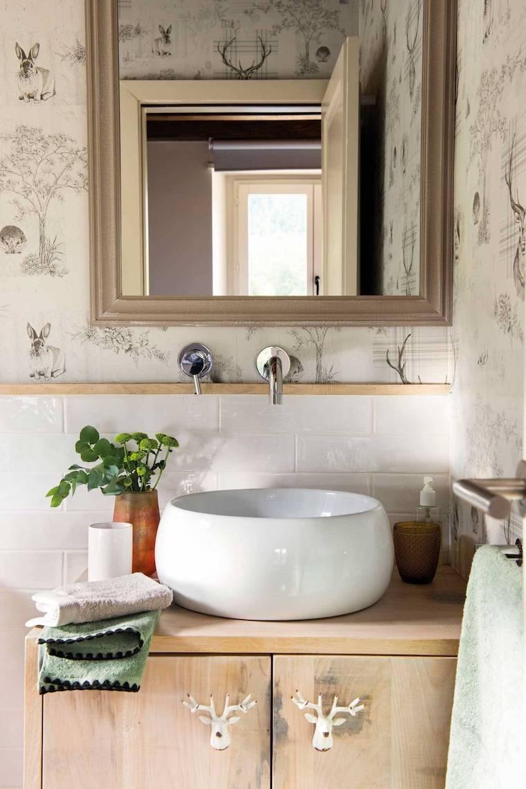 bagni piccoli moderni arredamento con mobile in legno lavabo da appoggio