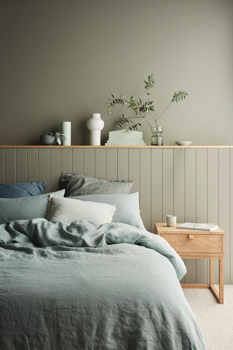 colore pareti camera da letto con mobili scuri boiserie in legno verde oliva