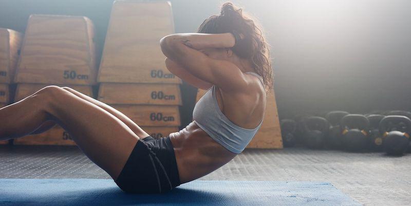 come eliminare il grasso addominale esercizi da fare a casa