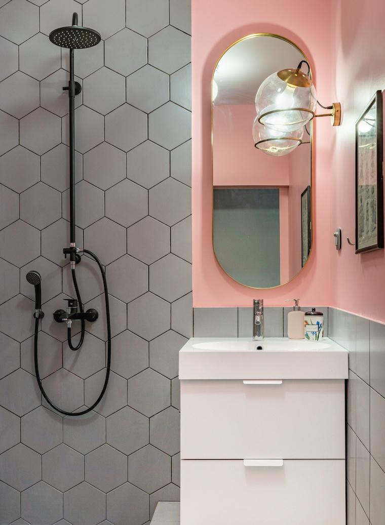 idee bagno moderno piccolo con doccia rivestimento con piastrelle a rombo