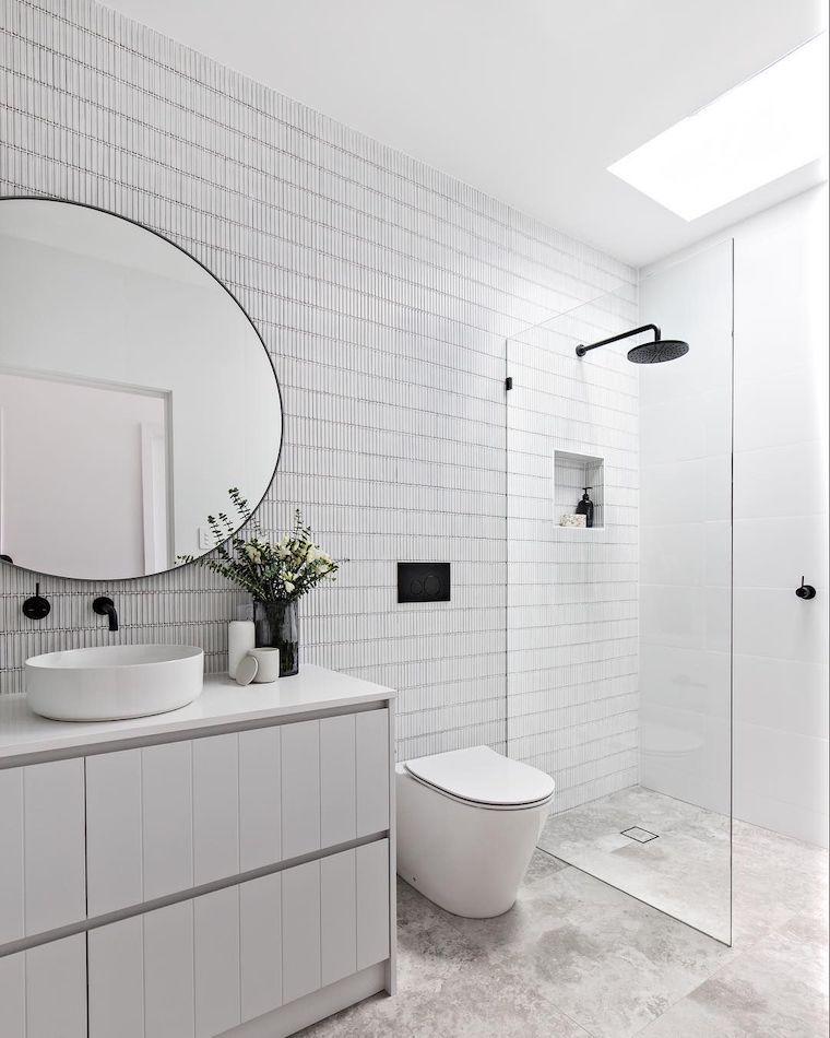 idee bagno moderno piccolo con doccia rivestimento pareti con piastrelle
