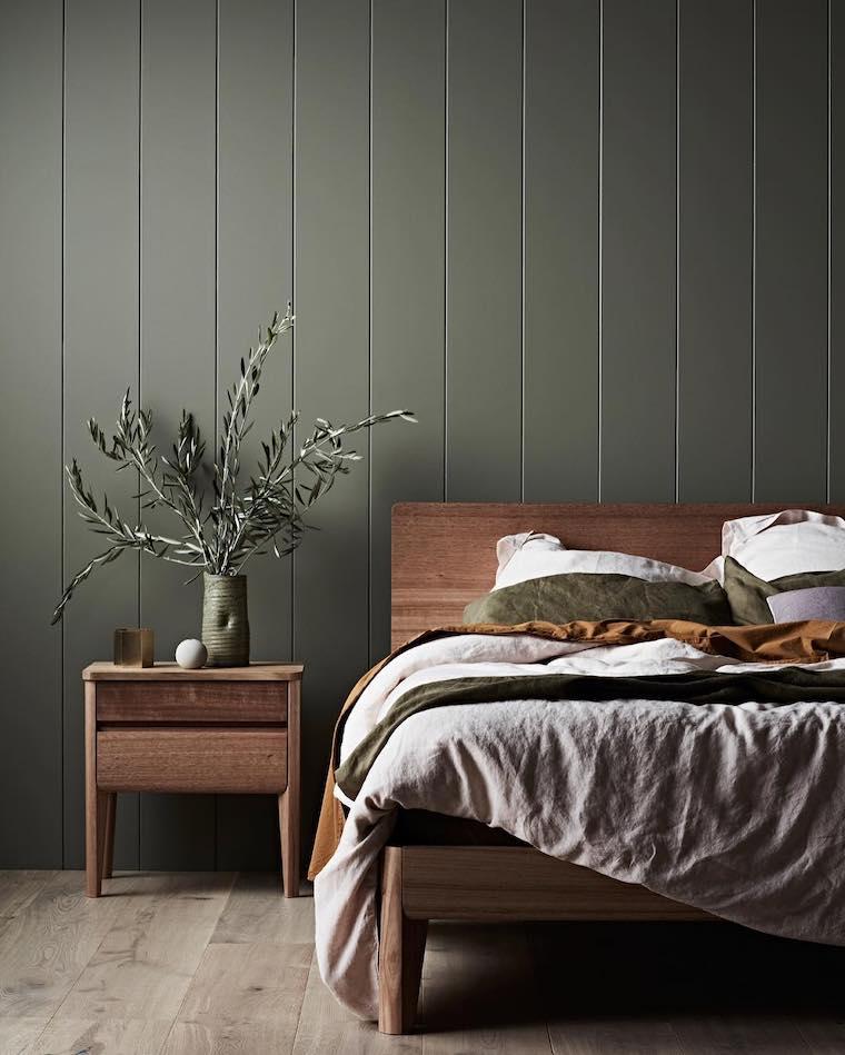 rilassante colori pareti camera da letto parete con boiserie in legno verde