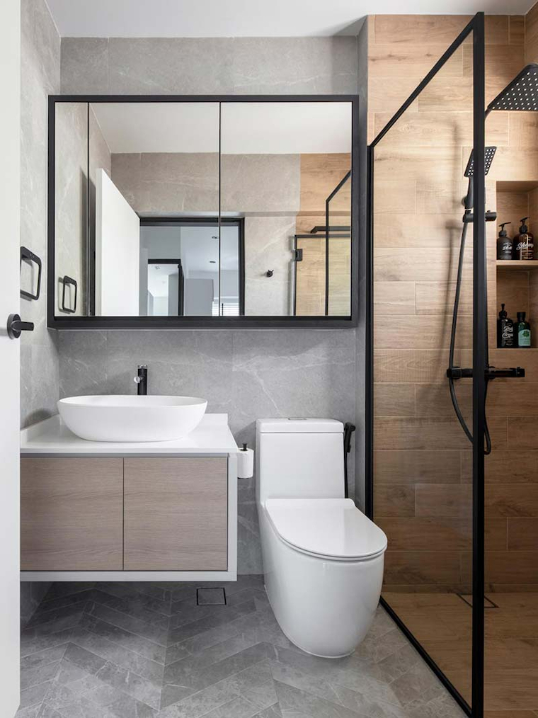 salvaspazio idee bagno piccolo box doccia con rivestimento in legno