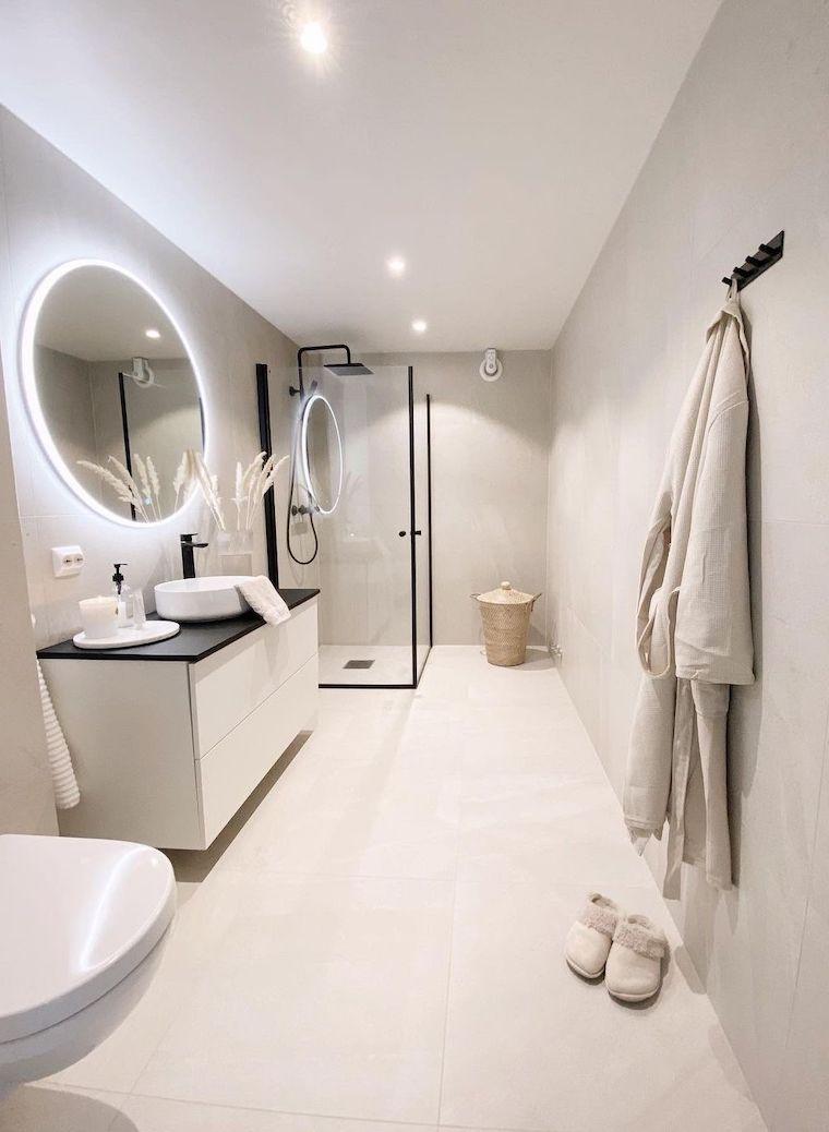 salvaspazio idee bagno piccolo box doccia di vetro specchio con retro illuminazione